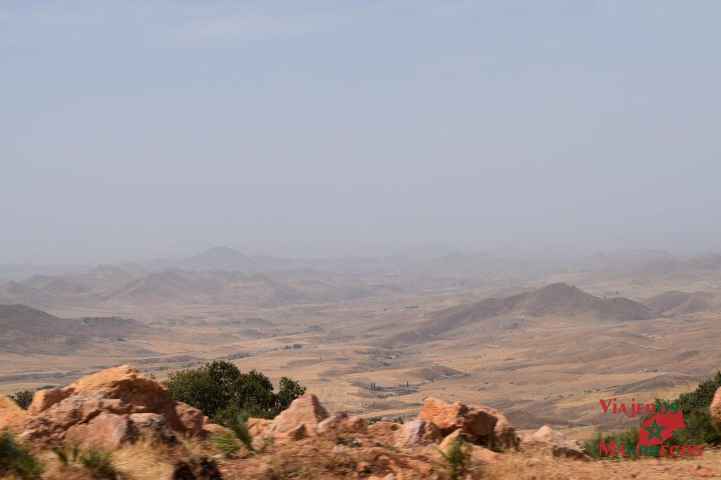 Paisajes de camino entre Azrou y Midelt