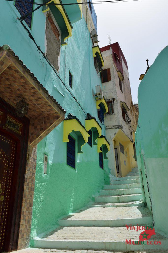 Calle de la medina de Mulay Idris Marruecos